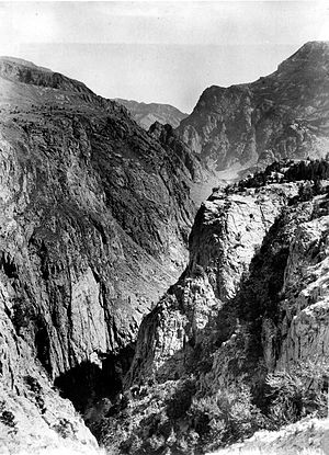 Clarks Fork Yellowstone River - Image: Canyonof Clark Forkofthe Yellowstone 1893