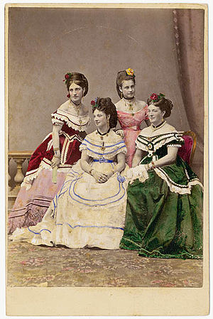Marie Carandini - Marie and her daughters
