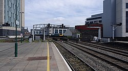 Cardiff Central railway station MMB 38 142081.jpg