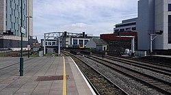 Cardiff Central railway station MMB 38 142081.jpg