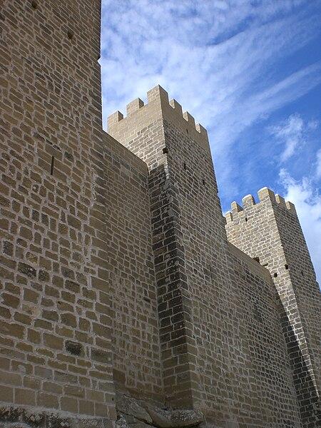 File:Castillo Sadaba2.jpg