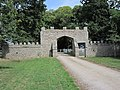 Château de Tocqueville - Portail d'entrée.JPG