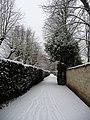 Chemin entre le Parc de Malmaison et le Parc de Bois-Préau sous la neige - panoramio.jpg
