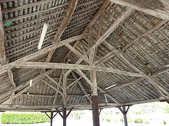 Post (structural) - Image: Chesnois Auboncourt (Ardennes) Halle (2)