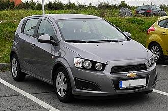 GM Korea - Image: Chevrolet Aveo LT 1.2 (T300) – Frontansicht, 6. Oktober 2011, Mettmann