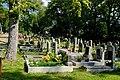 Chodov hřbitov u kostela.jpg