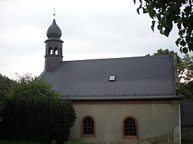 Church in Pabenice former townhouse.JPG