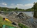 Chvatěruby, Úprava plavební úžiny, hromady zeminy a kamení.JPG