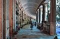 Cimitero di monumentale Staglieno-porticato semicircolare trasversale.jpg