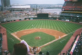 2001 Cincinnati Reds season - The Reds playing host to the New York Mets during an April 2001 game at Cinergy Field.