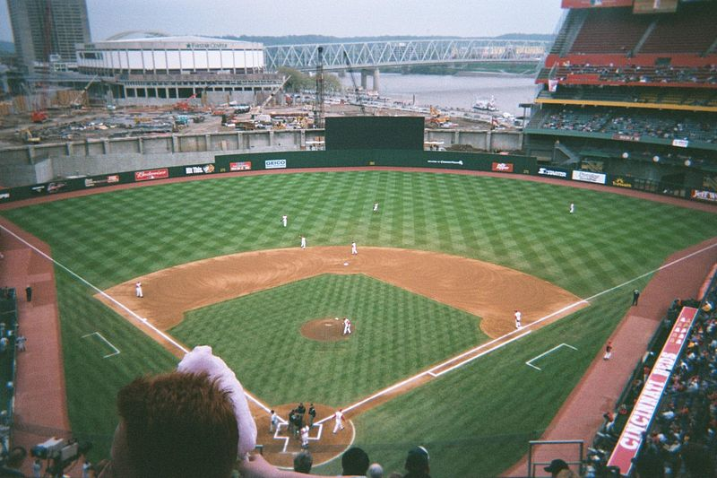 File:Cinergy Field on April 27, 2001 with Great American Ballpark under construction in Cincinnati, Ohio.jpg