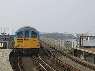 Ryde Esplanade railway station - Image: Class 483 at Ryde Esplanade 2006