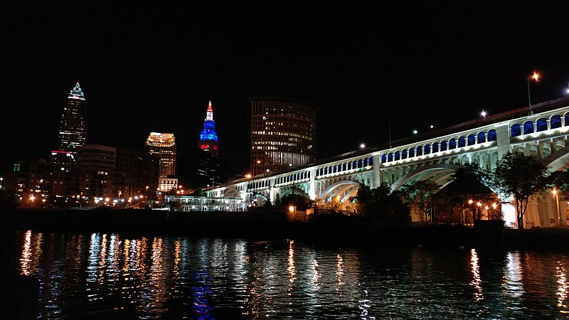 File:Cleveland skyline at night.jpg