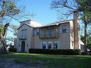 Executive House - Image: Clewiston FL Executive House 01