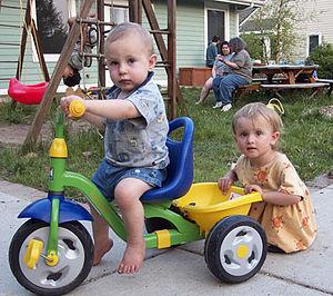 Sunward Cohousing - Children playing at Sunward Cohousing