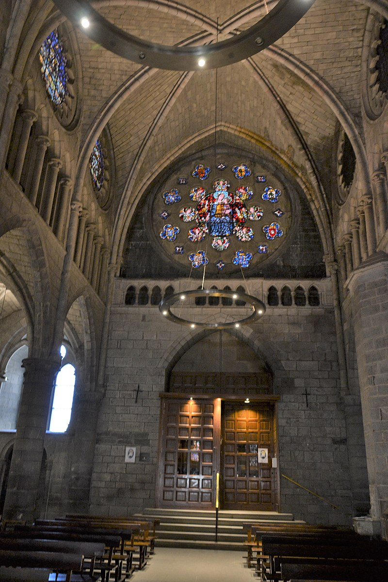 Collégiale Sainte Marie de Ronceveau 12.jpg