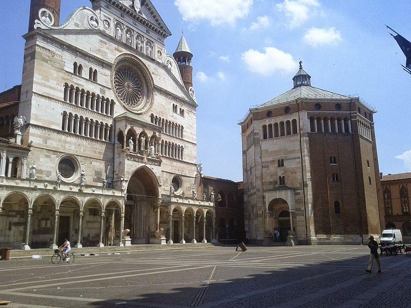 File:Cremona - panoramio.jpg