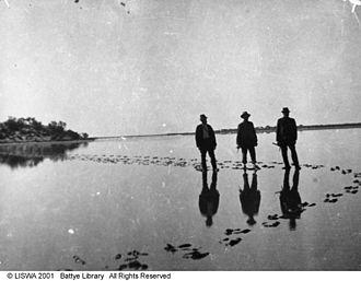 Lake Barlee - Image: Crossing Lake Barlee
