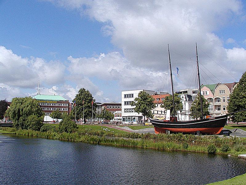 File:Cuxhaven stadtsee 03.jpg