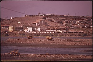"DEVELOPMENT IN ""SALT LAKE"" AREA. PART OF THE SALT LAKE IS BEING FILLED TO PROVIDE A GOLF COURSE. THIRTY ACRES... - NARA - 553932.jpg"