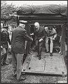 De Duitse bondspresident dr. H. Lübke heeft vandaag de Nederlandse soldaten in k, Bestanddeelnr 093-0672.jpg