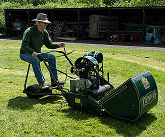 Dennis Specialist Vehicles - Motor mower