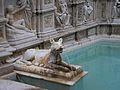 Detall de la Font Gaia de Siena.JPG