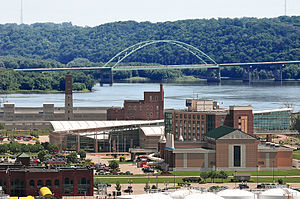 Dubuque–Wisconsin Bridge - A view of the bridge from Cleveland Park, Dubuque, Iowa.
