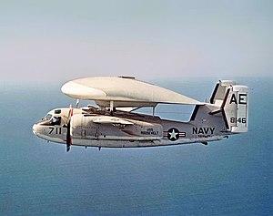 O nascimento do poder dos Porta Aviões 300px-E-1B_VAW-121_CVW-6_CVA-42