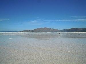 ES1110008-Monte Pindo desde playa Carnota.JPG