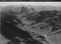 ETH-BIB-Alpthal, Holzegg, Mythen, Urneralpen, Berneralpen aus 1000 m-Inlandflüge-LBS MH01-003692.tif