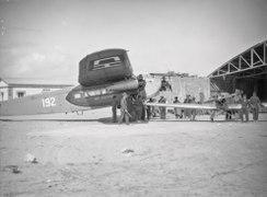 ETH-BIB-Fokker vor Hangar am Kap Juby-Tschadseeflug 1930-31-LBS MH02-08-1070.tif