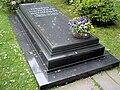 Eckbert von Bohlen und Halbach Grabplatte.JPG