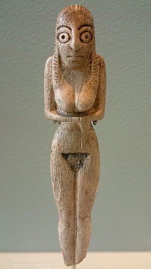 Badari culture - Ancient Badarian mortuary figurine of a woman, held at the Louvre.
