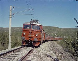 El-11 and B3 on Bergen Line.jpg