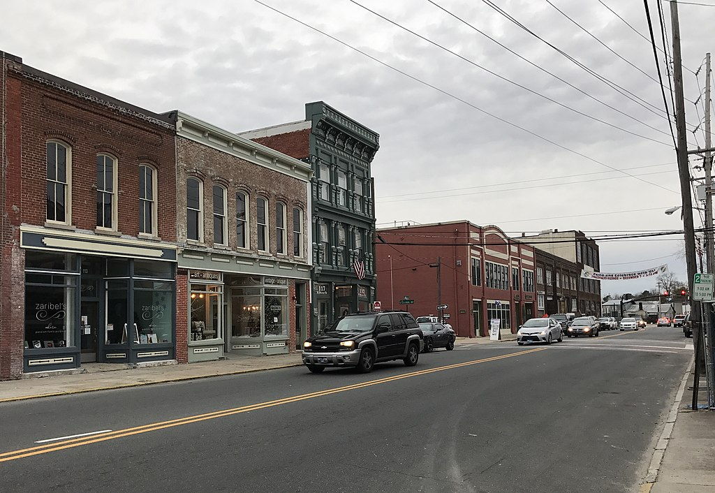 File:Elizabeth City, North Carolina.jpg - Wikimedia Commons