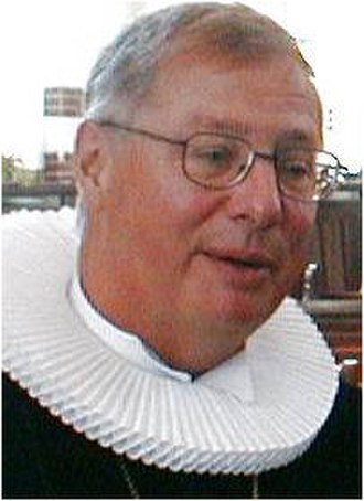 Clerical clothing - The ruff, as worn by a Danish Lutheran bishop