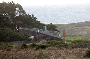 Joseph Esherick (architect) - Escherick Sea Ranch house (1966) looking West from street.