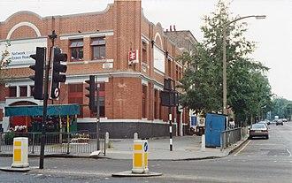 Essex Road railway station - Essex Road in 1991 under British Rail.