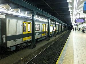 Castro Barros (Buenos Aires Underground) - Image: Estación Castro Barros Subte de Buenos Aires