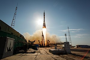 Expedition 31 Soyuz launch.jpg