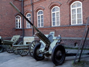 76 mm divisional gun M1936 (F-22) - F-22 displayed outside the Finnish Military Museum in Helsinki.