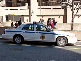 FBI Police Ford Crown Victoria.jpg