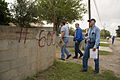 FEMA - 37606 - FEMA PDA team checks damages in Texas.jpg