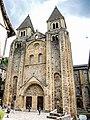 Façade de la basilique Sainte-Foy. Conques.jpg
