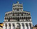 Façana de l'església de San Michele in Foro de Lucca.JPG