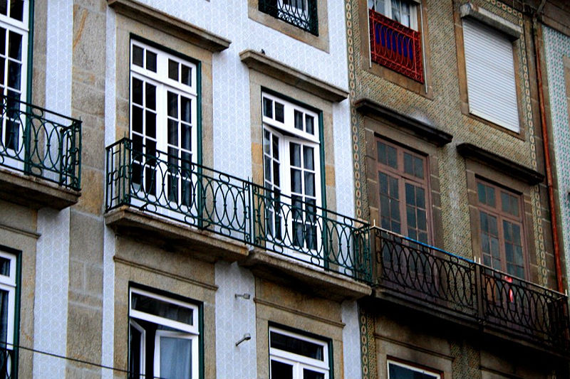 File:Facades (Porto).jpg
