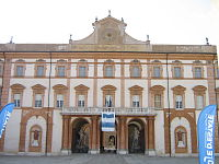Facciata principale del palazzo ducale di Sassuolo.JPG