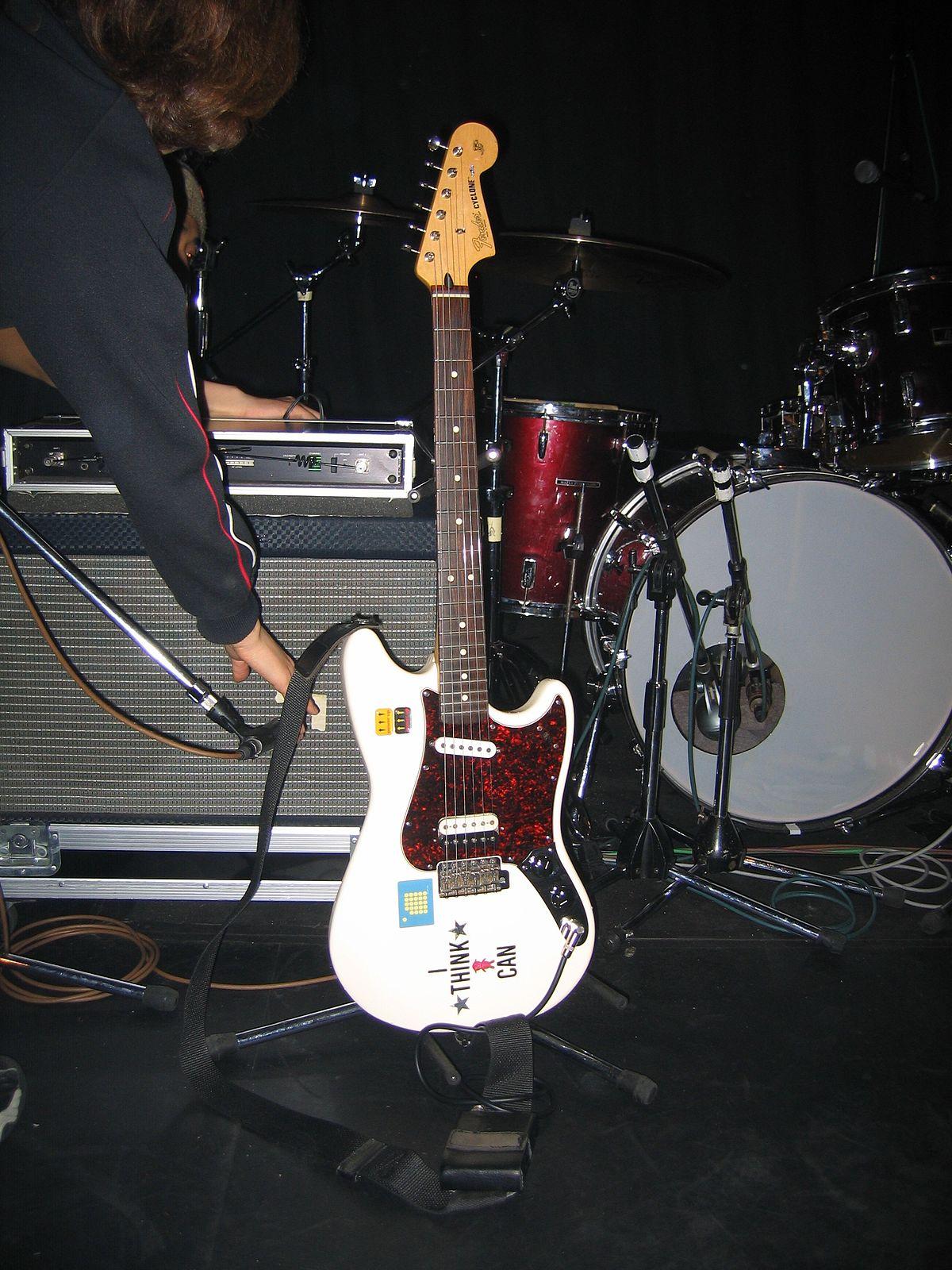 Fender Cyclone - Wikipedia