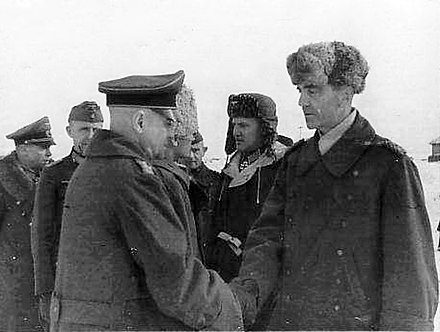 Generalfeldmarschall Paulus meets with Generaloberst Walter Heitz, then the two highest ranking German officers captured by the Allies, February 4 1943 Field Marshal Paulus, General Heitz and other German officers of the 6th Army after its surrender.jpg
